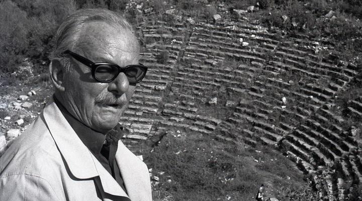 Usta edebiyatçı Melih Cevdet Anday, vefatının 18. yılında anılıyor