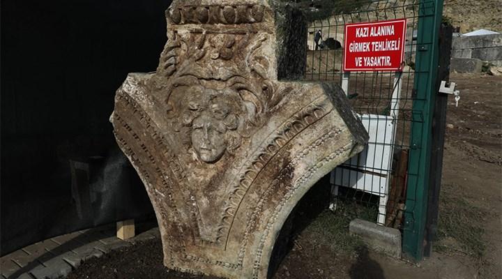 Düzce'de antik kentte Medusa heykeli bulundu