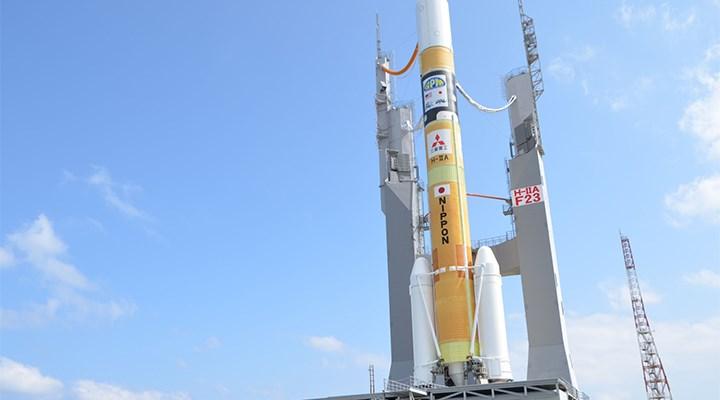 Japonya, yüksek hız kapasiteli iki iletişim uydusunu uzaya fırlattı