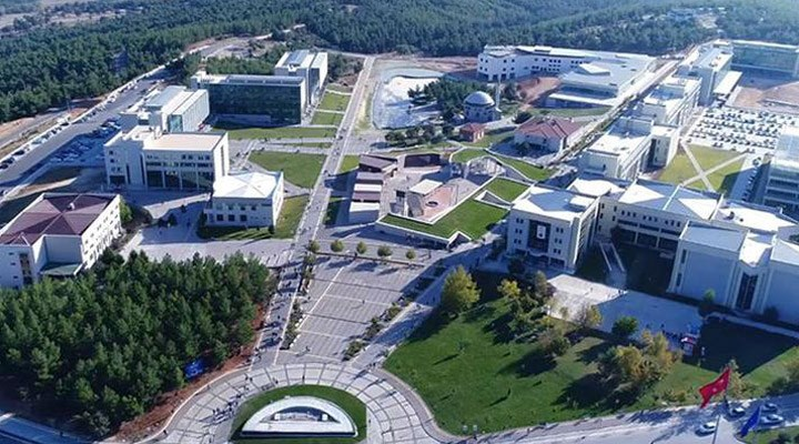 Uşak Üniversitesi'nde sistem yine çöktü, sınavlar ertelendi