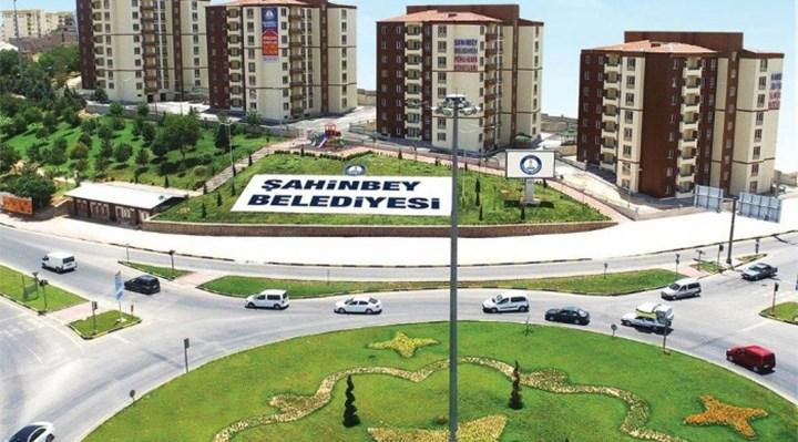 AKP'li belediye, pandemi döneminde 15 bin kol saati aldı