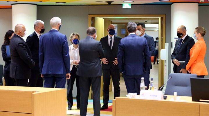 AB üyesi ülke liderleri, bütçe ve kurtarma paketinde uzlaştı