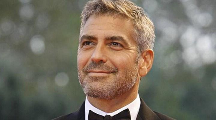 Rol için kilo veren ABD'li oyuncu George Clooney, hastaneye kaldırıldı
