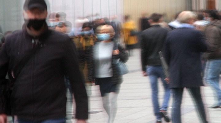 Almanya'da her 2 buçuk dakikada bir kişi koronavirüsten hayatını kaybediyor