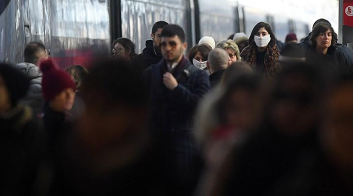 İtalya'da son 24 saatte Covid-19 nedeniyle 887 kişi öldü