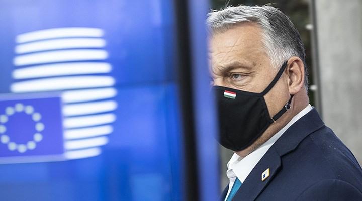 Macaristan eşcinsellerin evlat edinmesini engelleyen yasayı onayladı