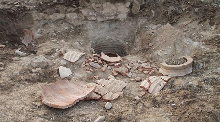 1800 yıllık erzak küpünü parçalayan defineciler gözaltına alındı