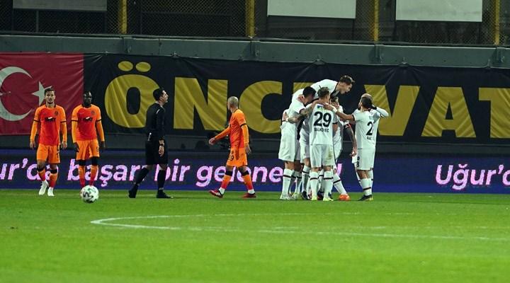 Galatasaray, Taksim'in güneyinde kayıp