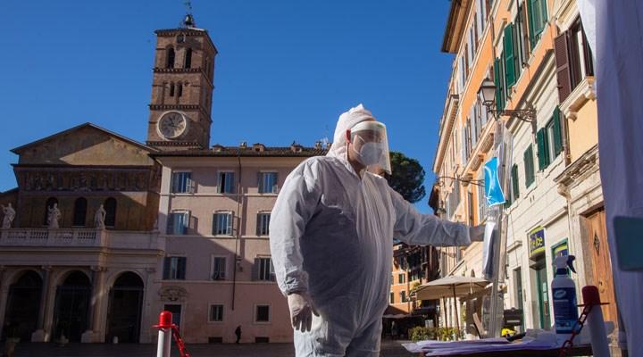 Mutasyona uğrayan koronavirüs İtalya'da görüldü: İngiltere'den gelen bir yolcuda rastlandı