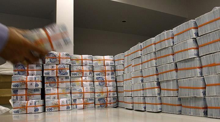 Krediler milyonerlerin kasasında toplandı