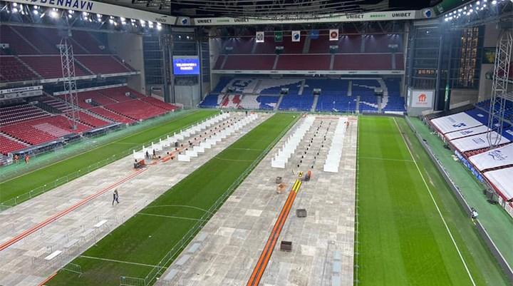 Kopenhag stadyumu Covid-19 test merkezine dönüştürüldü: Saatte 3 bin test