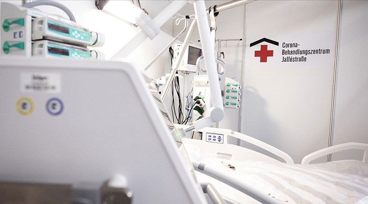 Almanya'da son 24 saatte 962 kişi Covid-19'dan hayatını kaybetti