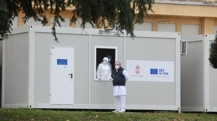Sırbistan'da Covid-19'a karşı aşılama başladı