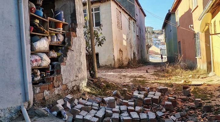 Depremler uyarıyor ama kulak asan yok