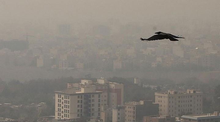 Tahran'da hava kirliliği 'kırmızı alarm' seviyesinde