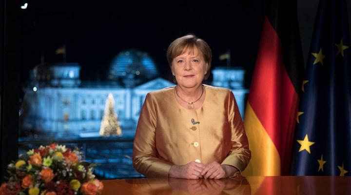 Merkel: Sıram geldiğinde aşı olacağım