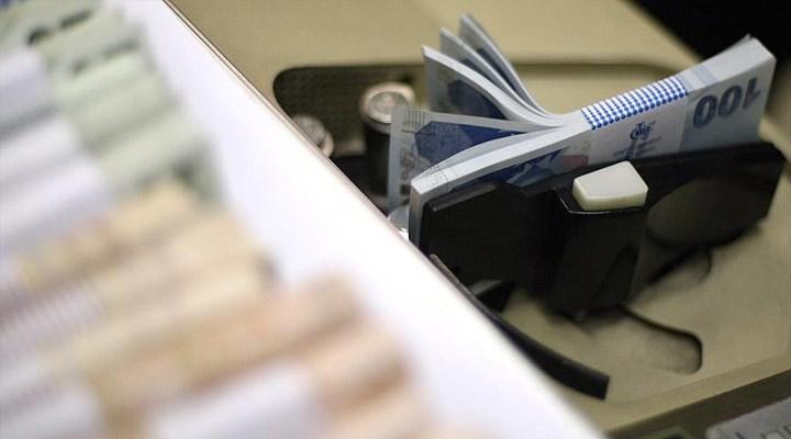 Müşterilerin imzalarını taklit edip, 12 milyon TL kredi çeken bankacı tutuklandı