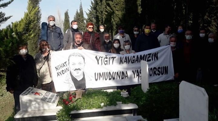 Devrimci ozan Nihat Aydın mezarı başında anıldı