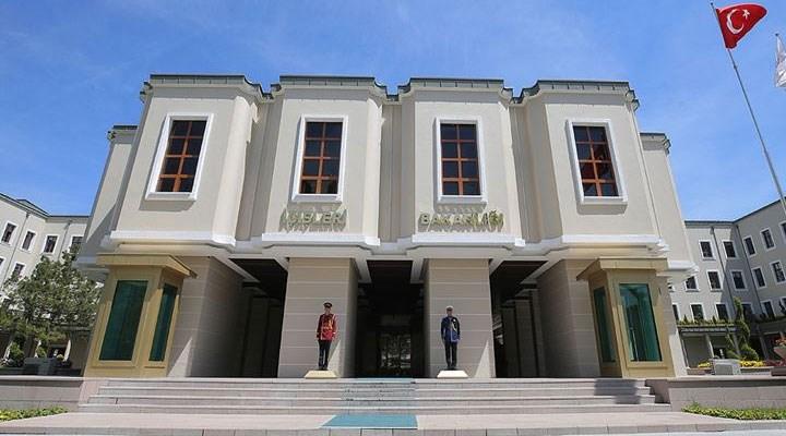 İçişleri Bakanlığı, CHP'li iki belediye meclis üyesini görevden uzaklaştırdı