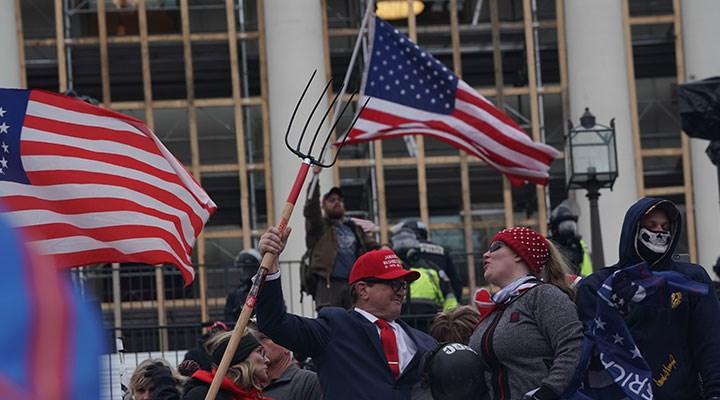 Kongrede yaşanan şiddet sarstı: ABD demokrasisi zor sınavda