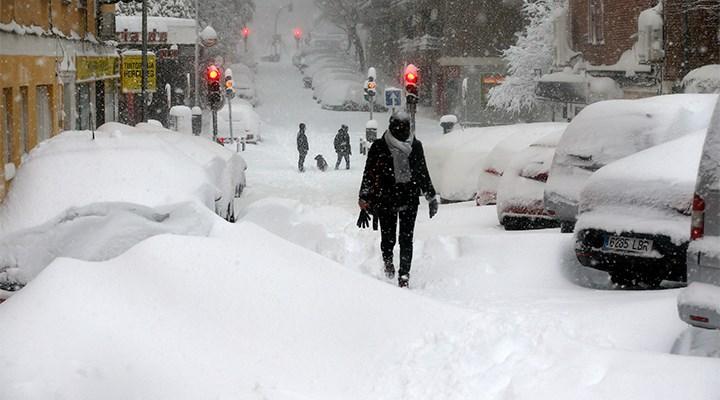 İspanya'da son 50 yılın en yoğun kar yağışı