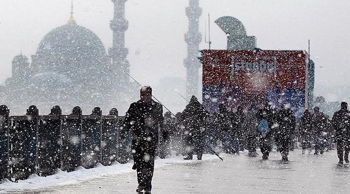 Meteoroloji uyardı: İstanbul'da kar yağışı devam edecek