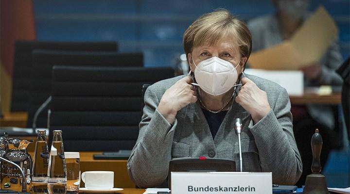 Almanya koronavirüs kısıtlamalarını uzattı