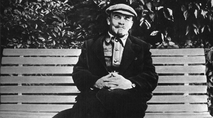 Ekim Devrimi'nin lideri Lenin, ölümünün 97'nci yıl dönümünde anıldı