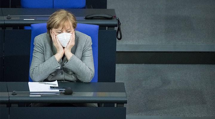 Merkel'den mutasyona uğramış koronavirüse ilişkin uyarı