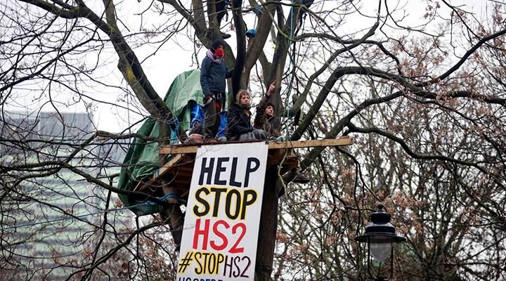 Londra'da çevreciler, eylem alanının altına gizli tünel ağı kazdı