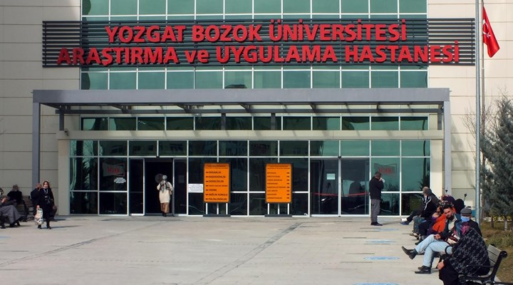 Yozgat'ta bir hasta istediği ilacı yazmayan doktorun bileğini kırdı