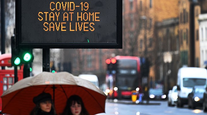 Koronavirüs: İngiltere'de can kaybı artıyor