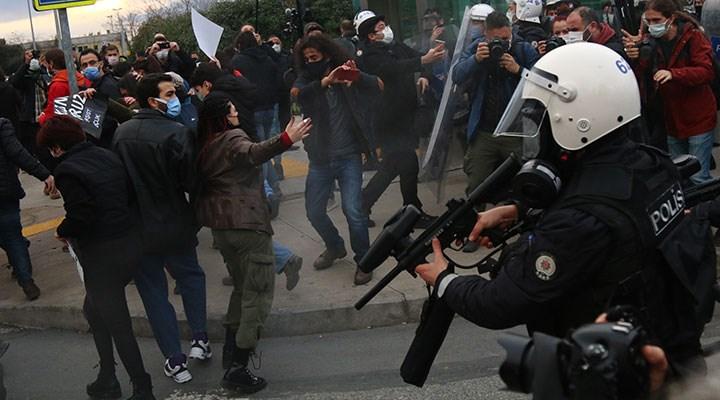 Kadıköy'deki Boğaziçi eyleminde gözaltına alınan 2 kişi tutuklandı