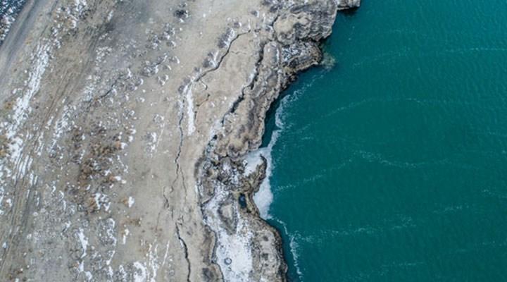 Kuraklık: Acıgöl'de derin yarıklar oluştu