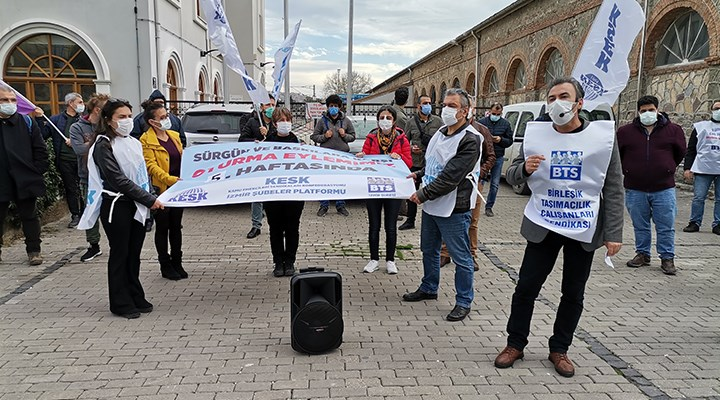 BTS üyeleri İzmir'de sürgüne karşı oturma eylemi yaptı