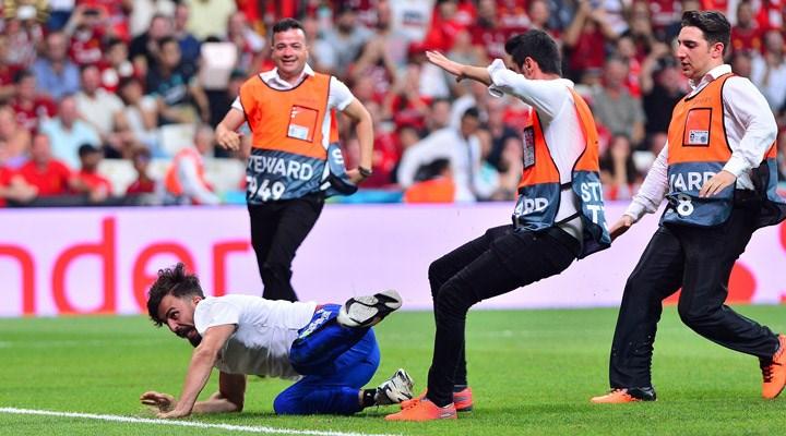 UEFA Süper Kupa finalinde sahaya giren YouTuber'a hapis cezası