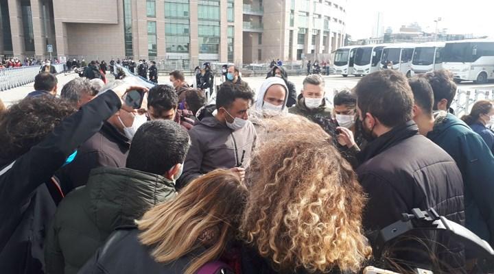 Boğaziçi gözaltılarına destek için bekleyenler gözaltına alındı