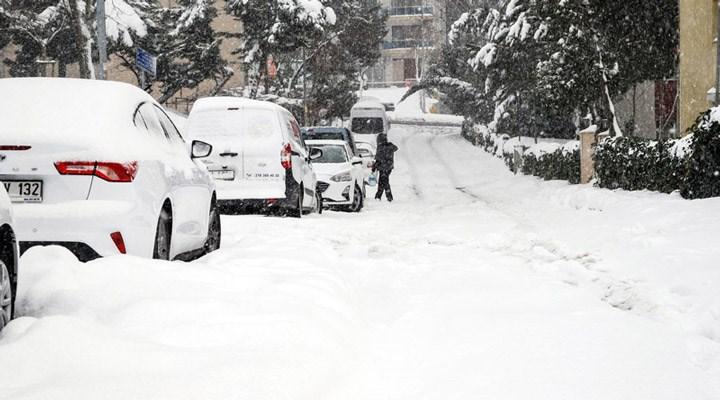 İstanbul'da yüz yüze eğitime kar engeli
