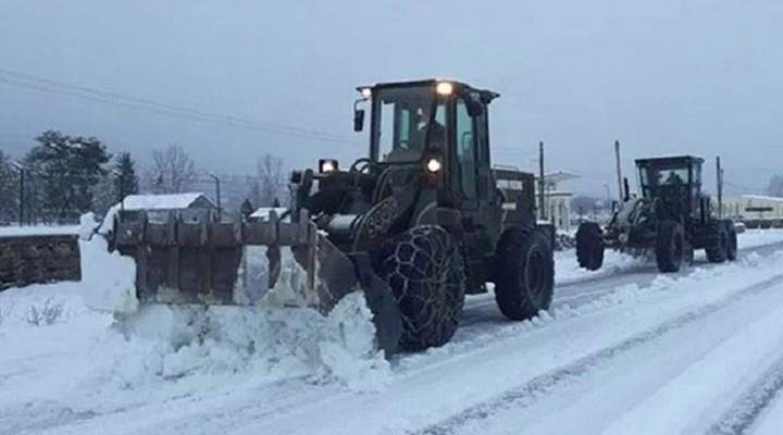 Yunanistan'da kar fırtınası: 4 kişi yaşamını yitirdi, 250 bin kişi elektriksiz kaldı