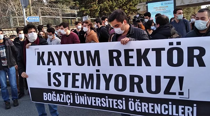 Üniversiteyi savunmaya devam
