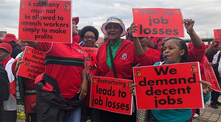 Güney Afrika'da işçiler hayatı durdurdu: Maaşlar giderek azalıyor  işsizlik ordusu büyüyor