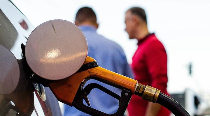 Benzine 27 kuruşluk zam: Pompa fiyatlarına yansımayacak
