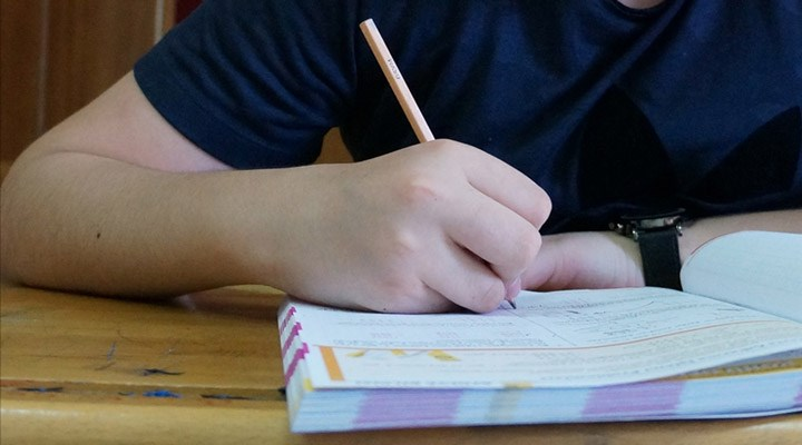 AA: Liselerde yüz yüze sınavlar 8 Mart'tan itibaren yapılacak