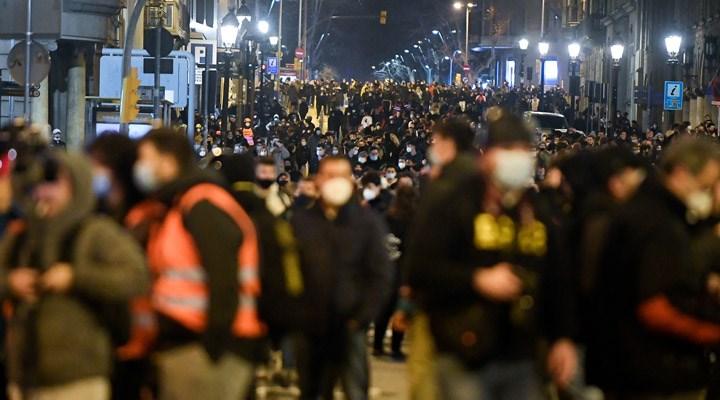 Barselona'da rapçi Hasel için destek eylemi: 10 gözaltı