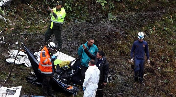 Bolivya'da yolcu otobüsü uçuruma yuvarlandı: 21 ölü, 20 yaralı