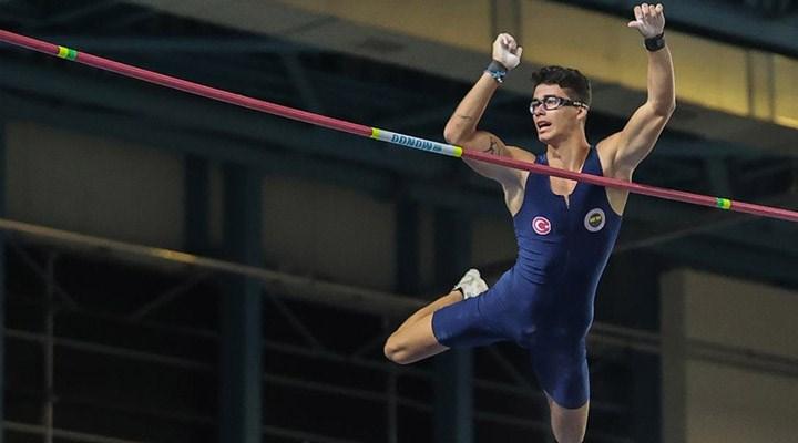 Ersu Şaşma, Avrupa Salon Atletizm Şampiyonası'nda finale yükseldi