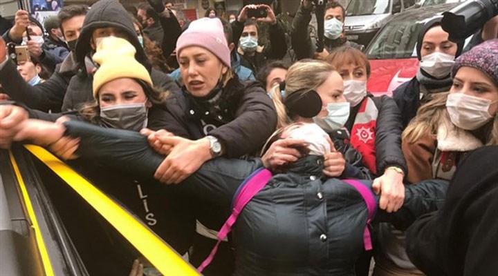 Kadıköy'deki 8 Mart eyleminde gözaltına alınan LGBTİ+ bireylere tutuklama talebi