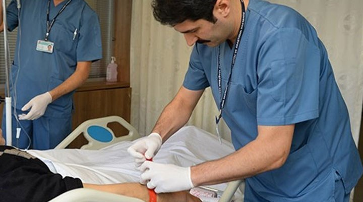 Diyaliz teknikerlerinden tepki: Kamu hastanelerinde sertifikasız personel çalıştırılıyor!