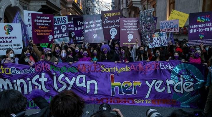 Feminist Gece Yürüyüşü'ne katılan kadınların gözaltı gerekçesi, 'ritme göre zıplamak'