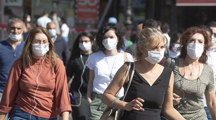 Maskeyi düşüren pandemi
